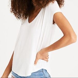 American Eagle soft and sexy v neck favorite tee